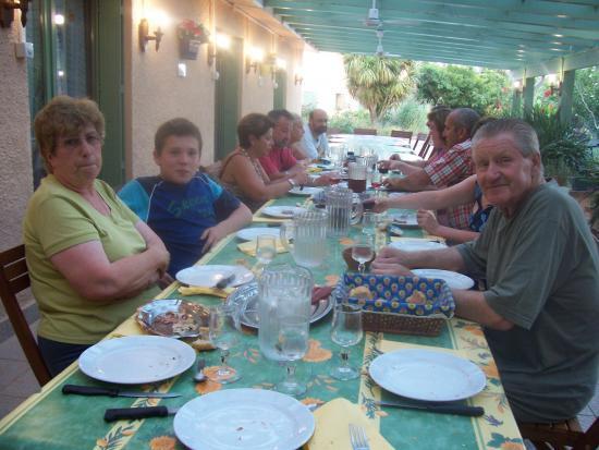 Table d'hôte le soir